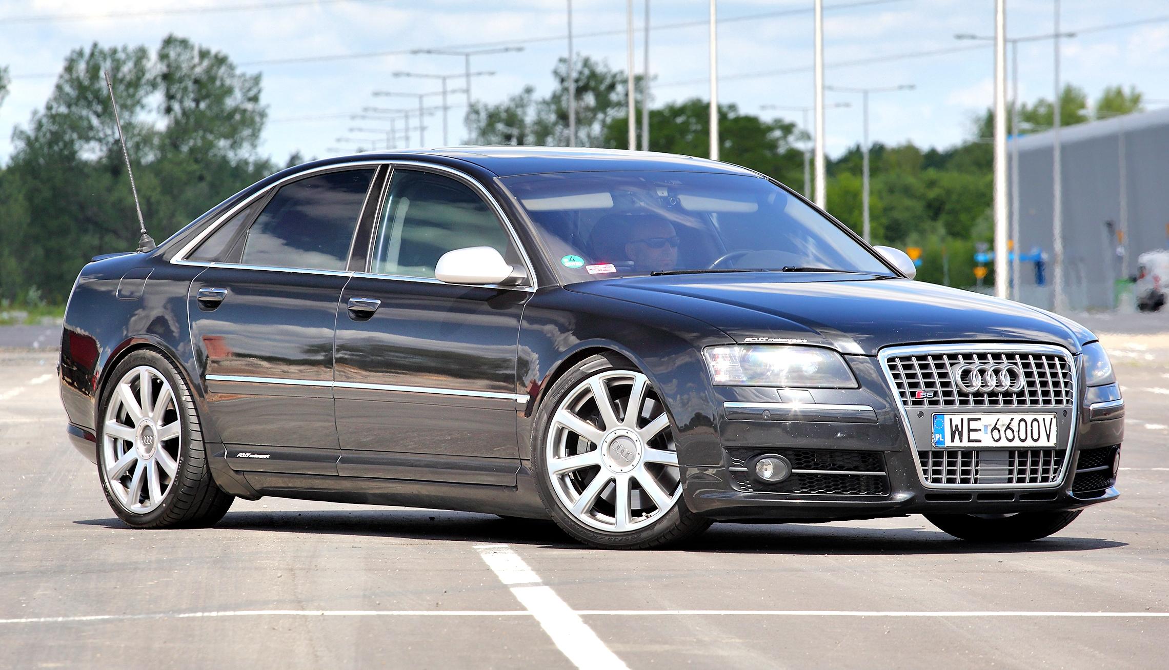 Audi-S8-D3_4