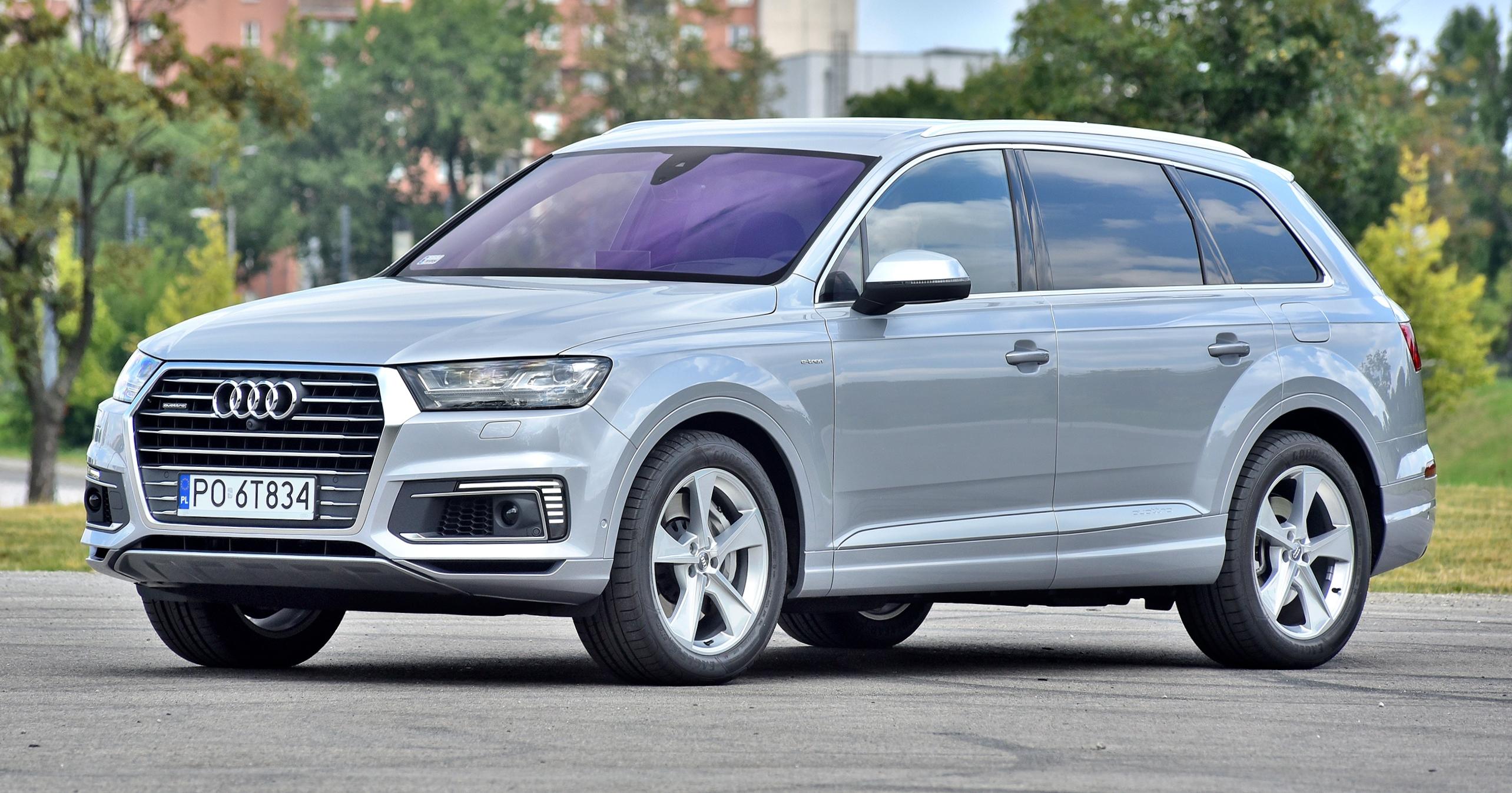 Audi-Q7-4M_5