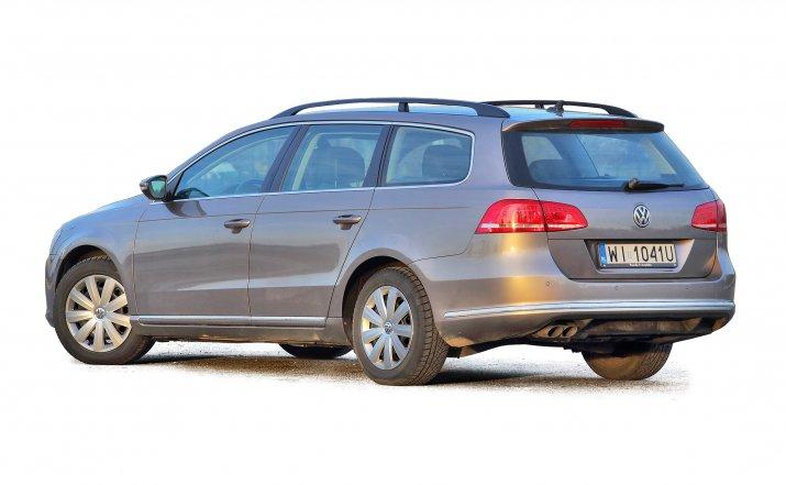 Volkswagen-Passat-B7_2