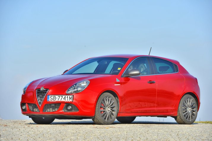 Alfa-Romeo-Giulietta_4