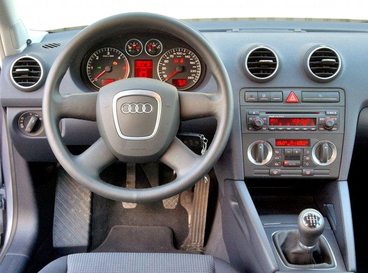 Audi-A3-II_8P_3