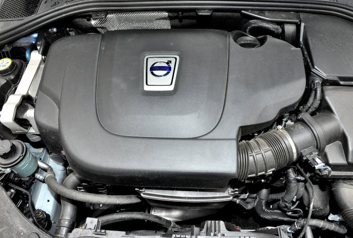Volvo-S60-II_4