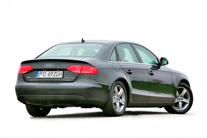 Audi-A4-B8_2