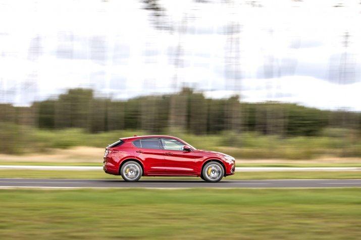 Alfa Romeo Stelvio_02