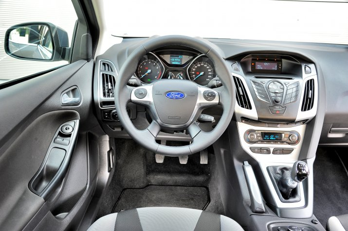 Ford-Focus-III_3