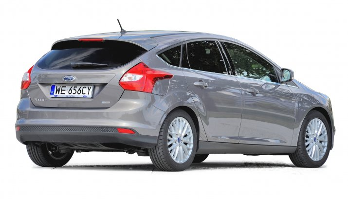 Ford-Focus-III_2