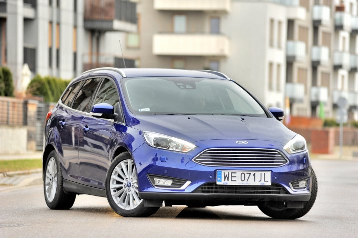 Ford-Focus-III_4