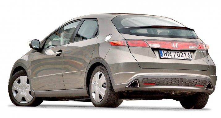 Honda-Civic-VIII_2