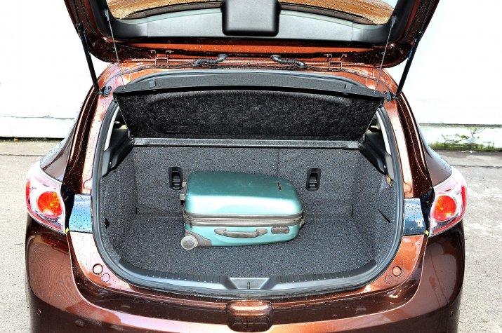 Mazda-3-II-BL_4