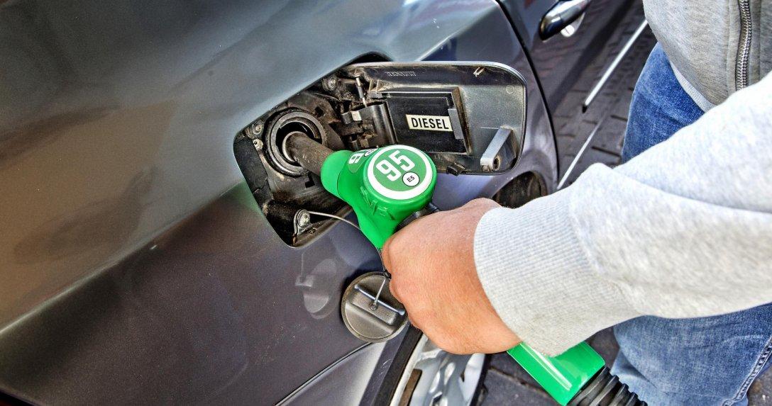 Benzyna w dieslu – jak sięzachować? Cztery scenariusze