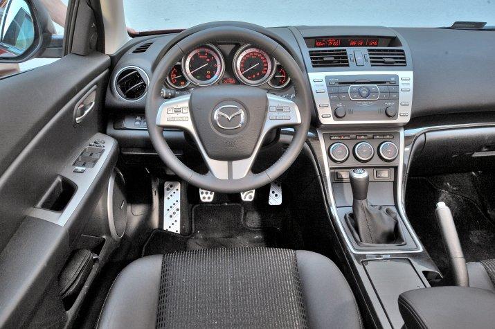 Mazda-II_3
