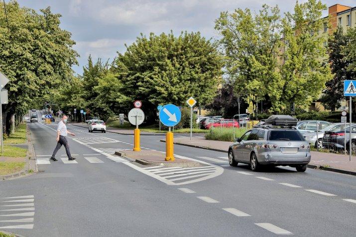 nowe zasady pierszenstwa dla pieszych-OPF-20200526-61