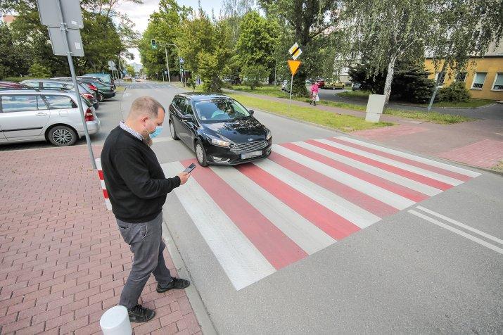 nowe zasady pierszenstwa dla pieszych-OPF-20200526-28