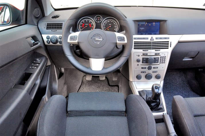 Opel-Astra-III-(H)_3