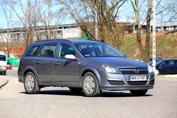 Opel-Astra-III-(H)_4