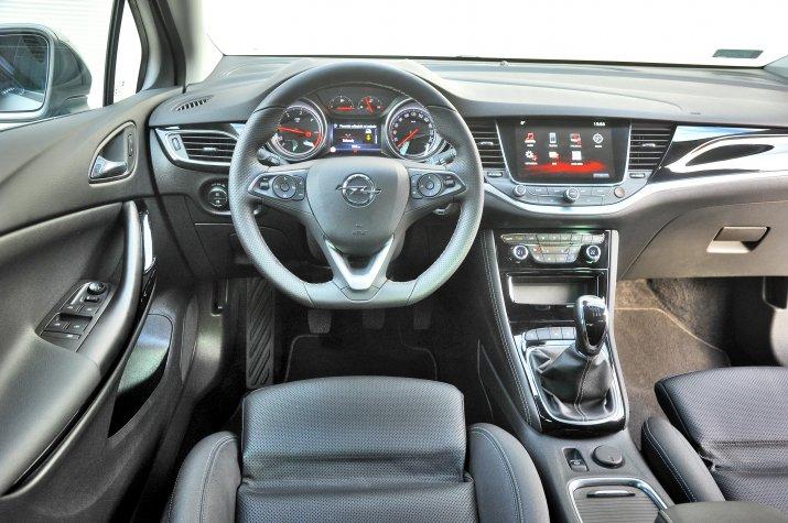 Opel-Astra-V-(K)_3