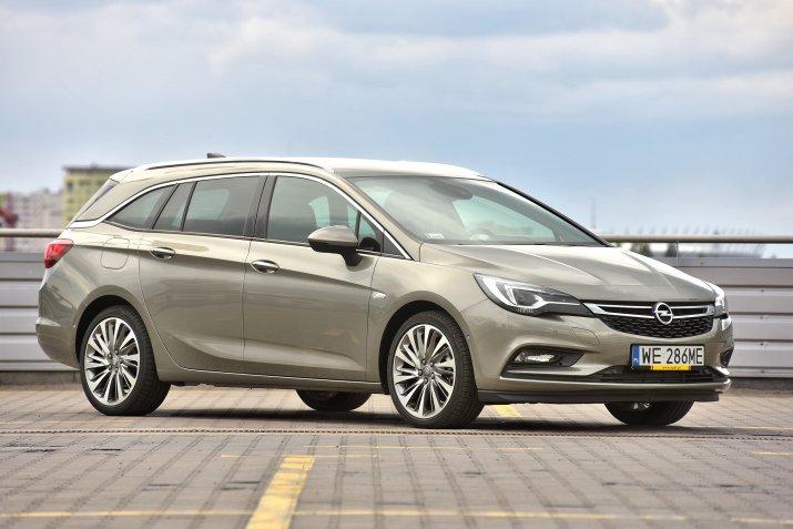 Opel-Astra-V-(K)_4
