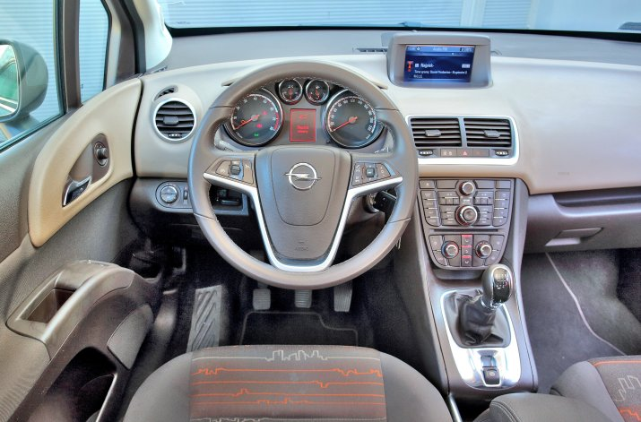 Opel-Meriva-B_3
