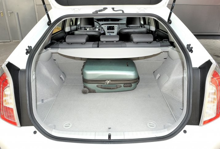 Toyota-Prius-III_6