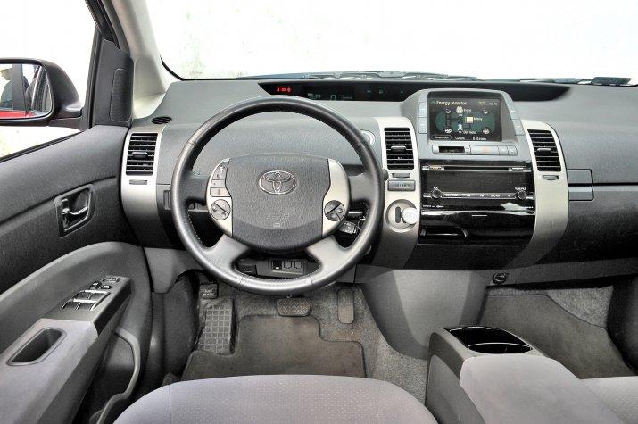 Toyota-Prius-II_3