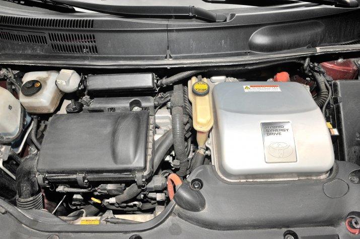 Toyota-Prius-II_5