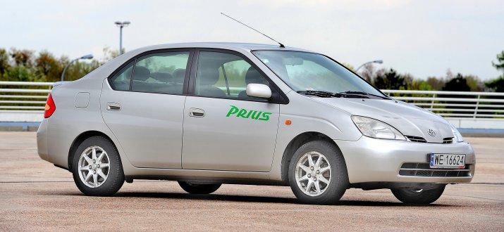 Toyota-Prius-I_7