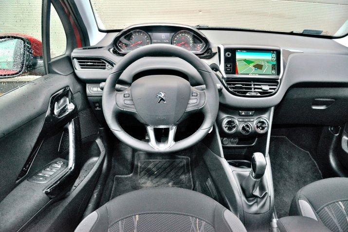 Peugeot-208-I_3
