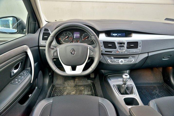 Renault-Laguna-III_3