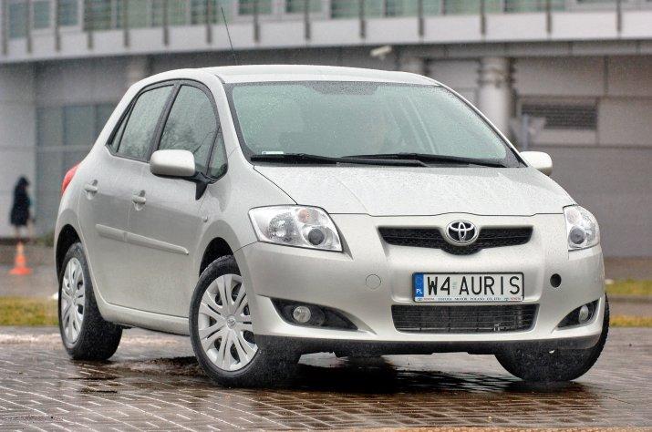 Toyota-Auris-I_5
