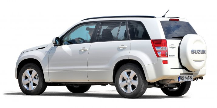 Suzuki-Grand-Vitara-II_2