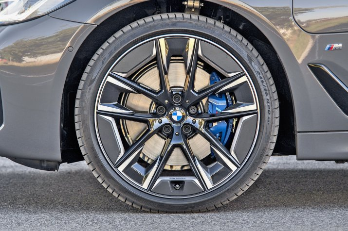 KSZ_BMW_530e_G30_FL_EXTERIOR_013