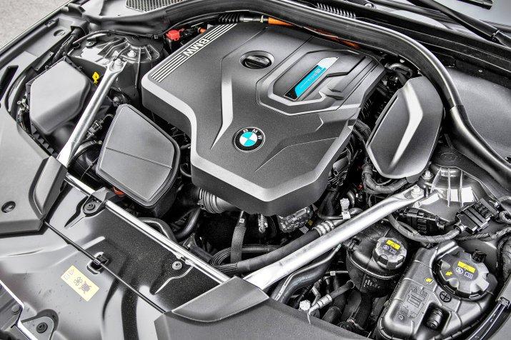 KSZ_BMW_530e_G30_FL_INTERIOR_058