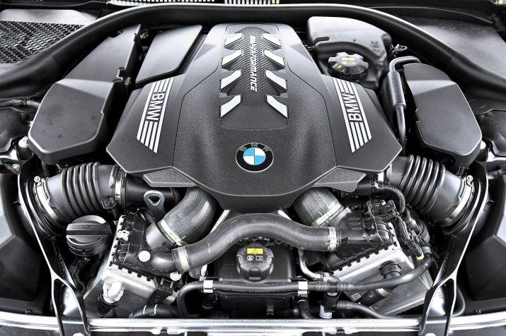 KSZ_BMW_M850i_GRAN_COUPE_INTERIOR_212