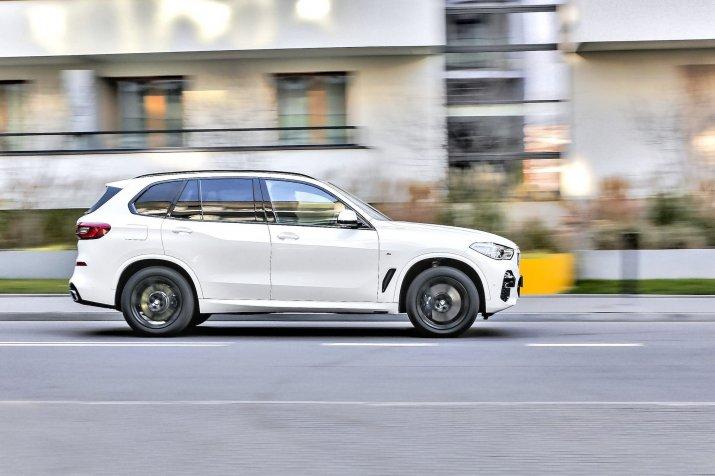 BMW-X5-OPF20181127-36