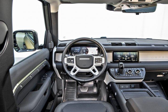 2020_Land Rover Defender_018