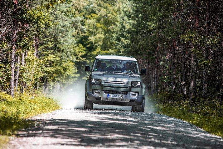 2020_Land Rover Defender_027