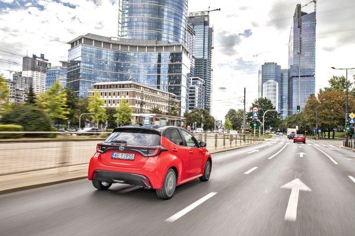 2020 Toyota Yaris Hybrid_9