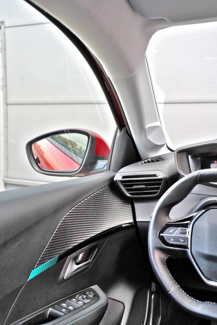 2020 Peugeot 208_014