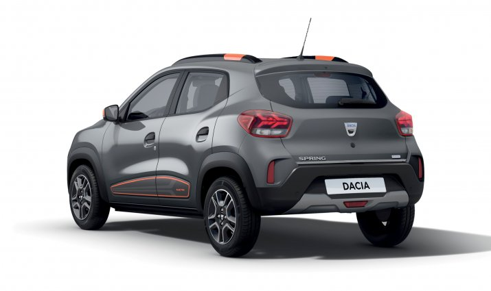 Dacia SPRING(2)
