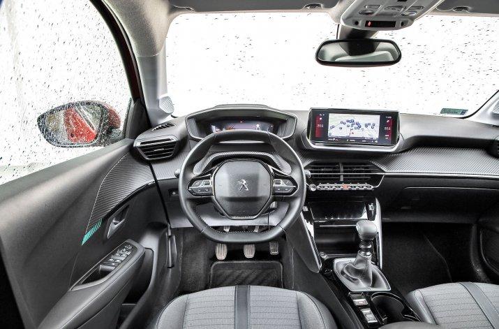 2020_Peugeot 208_01