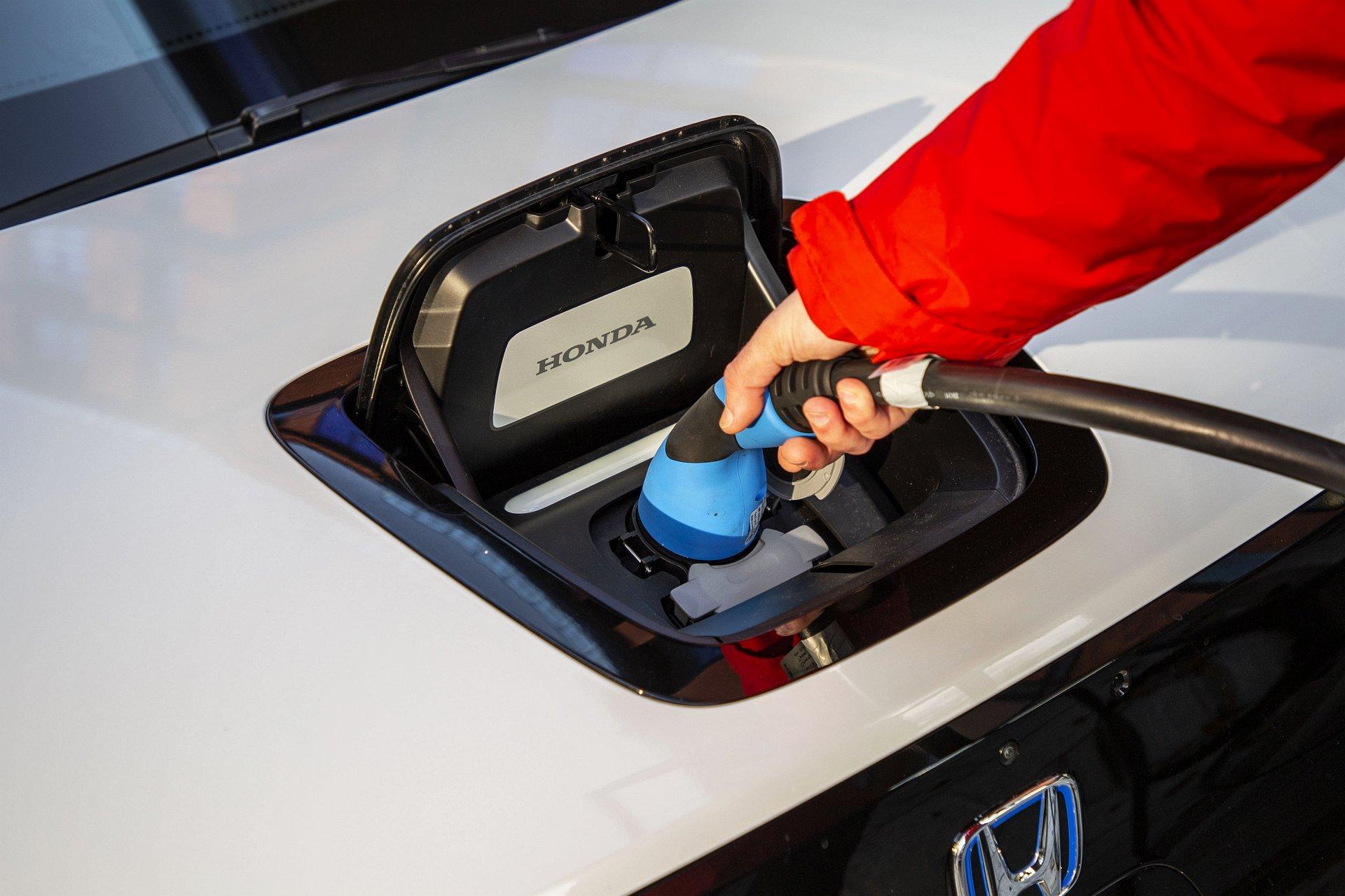Honda e test 2020 08 ładowanie