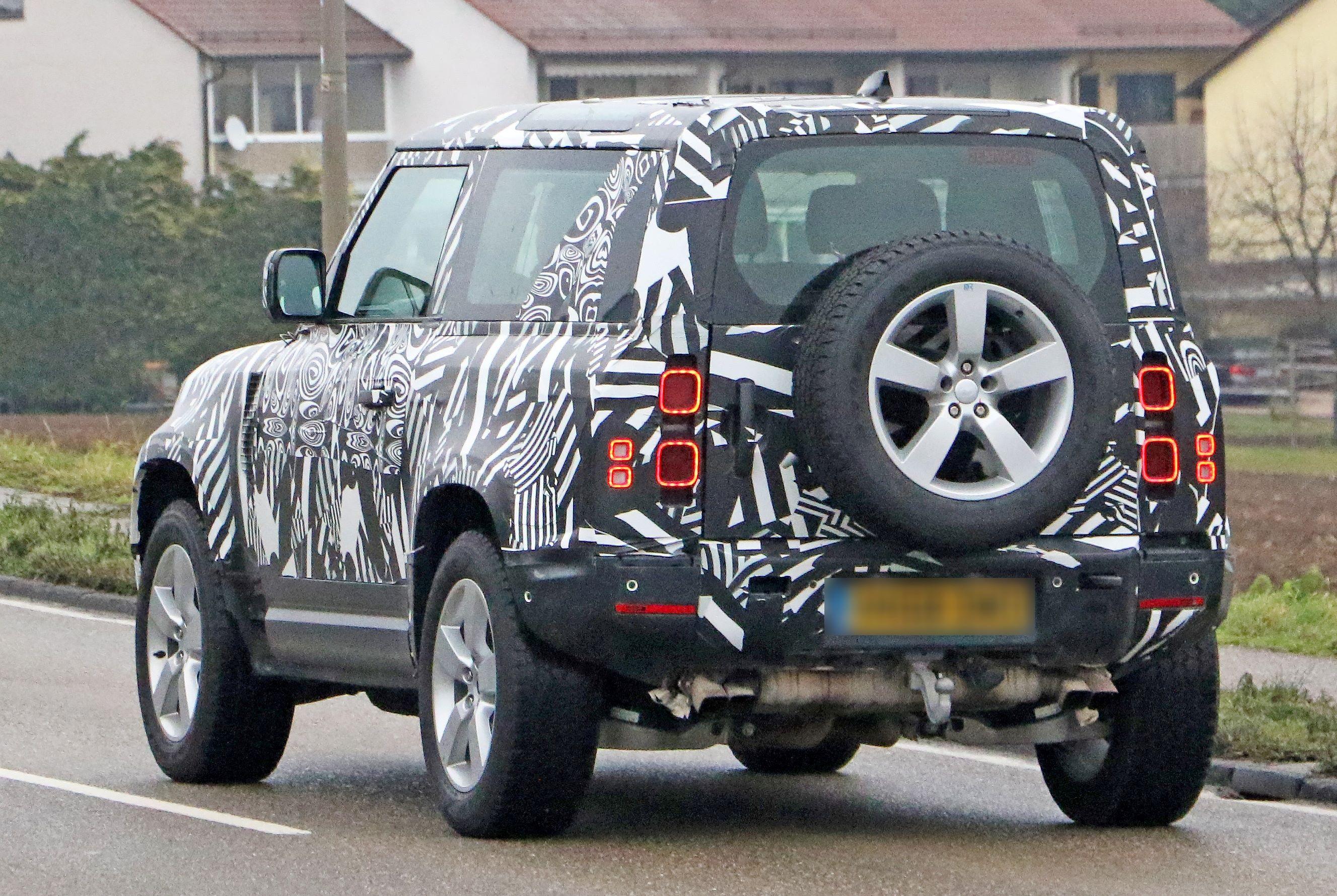 Land Rover Defender 90 V8 10