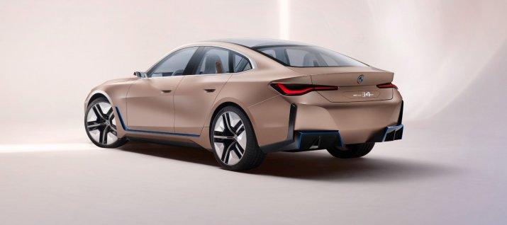 BMW_i4back