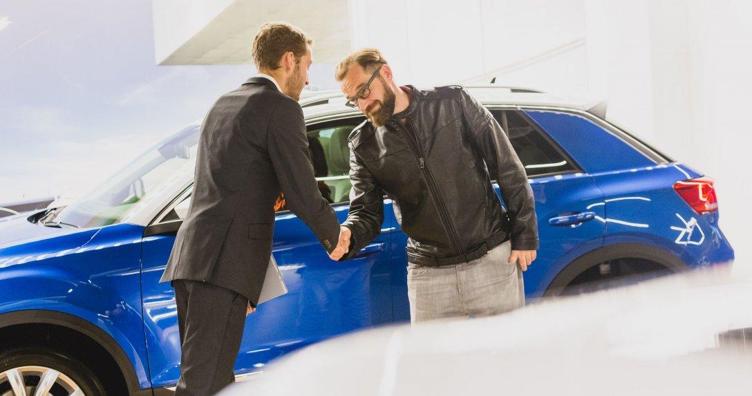 Sprzedaż aut salon VW