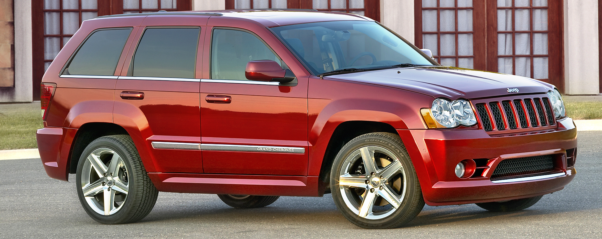 jeep_grand_cherokee_srt8_6