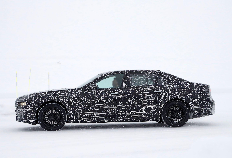 BMW7profile
