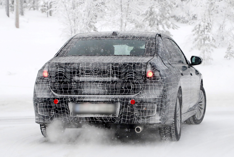 BMW7rear