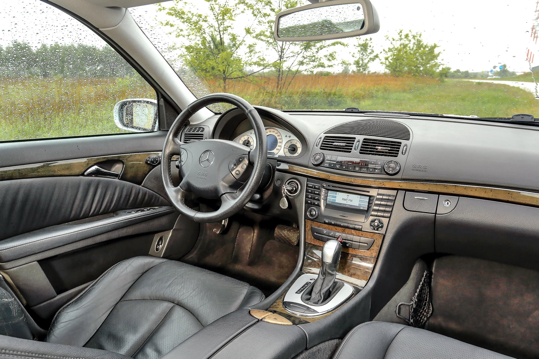 Mercedes_klasy_E_W211_5