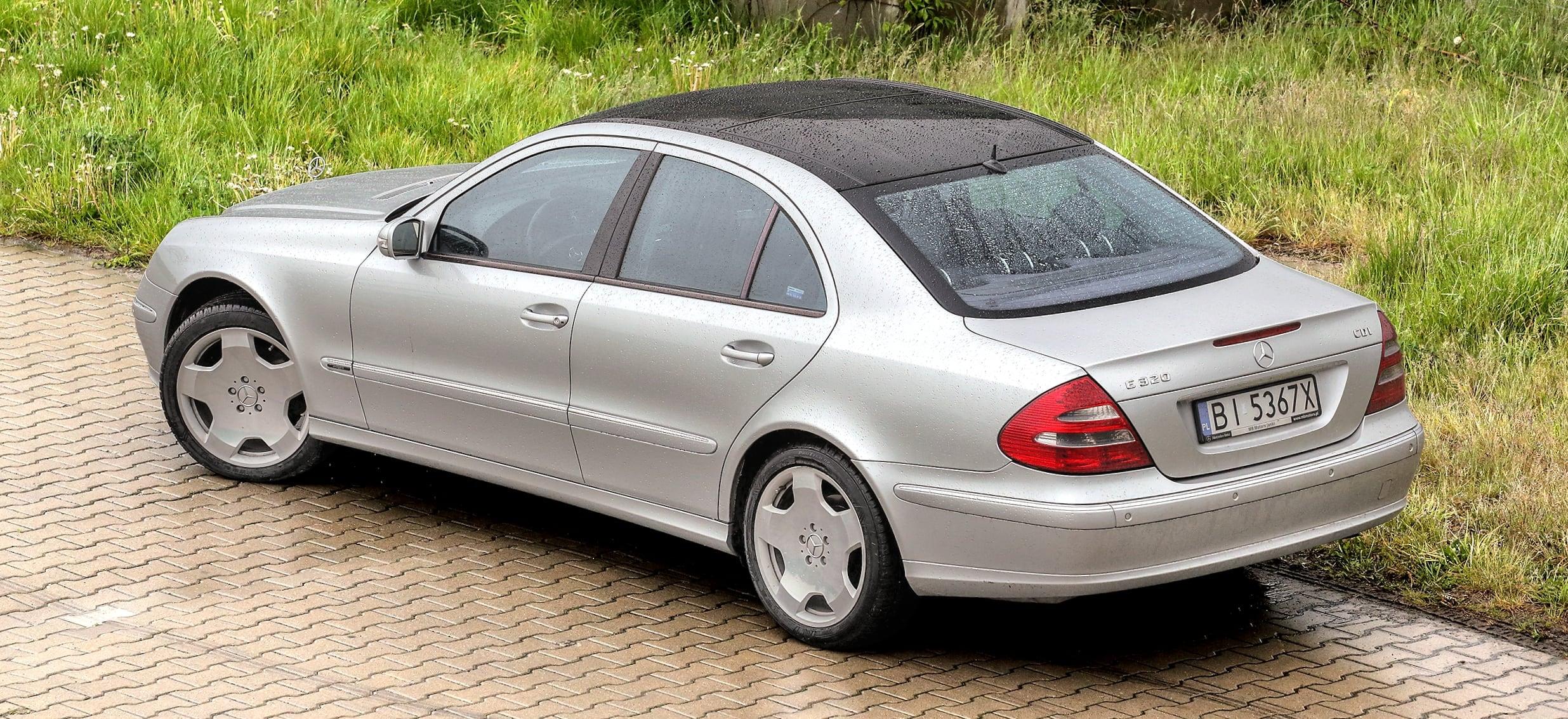 Mercedes_klasy_E_W211_16