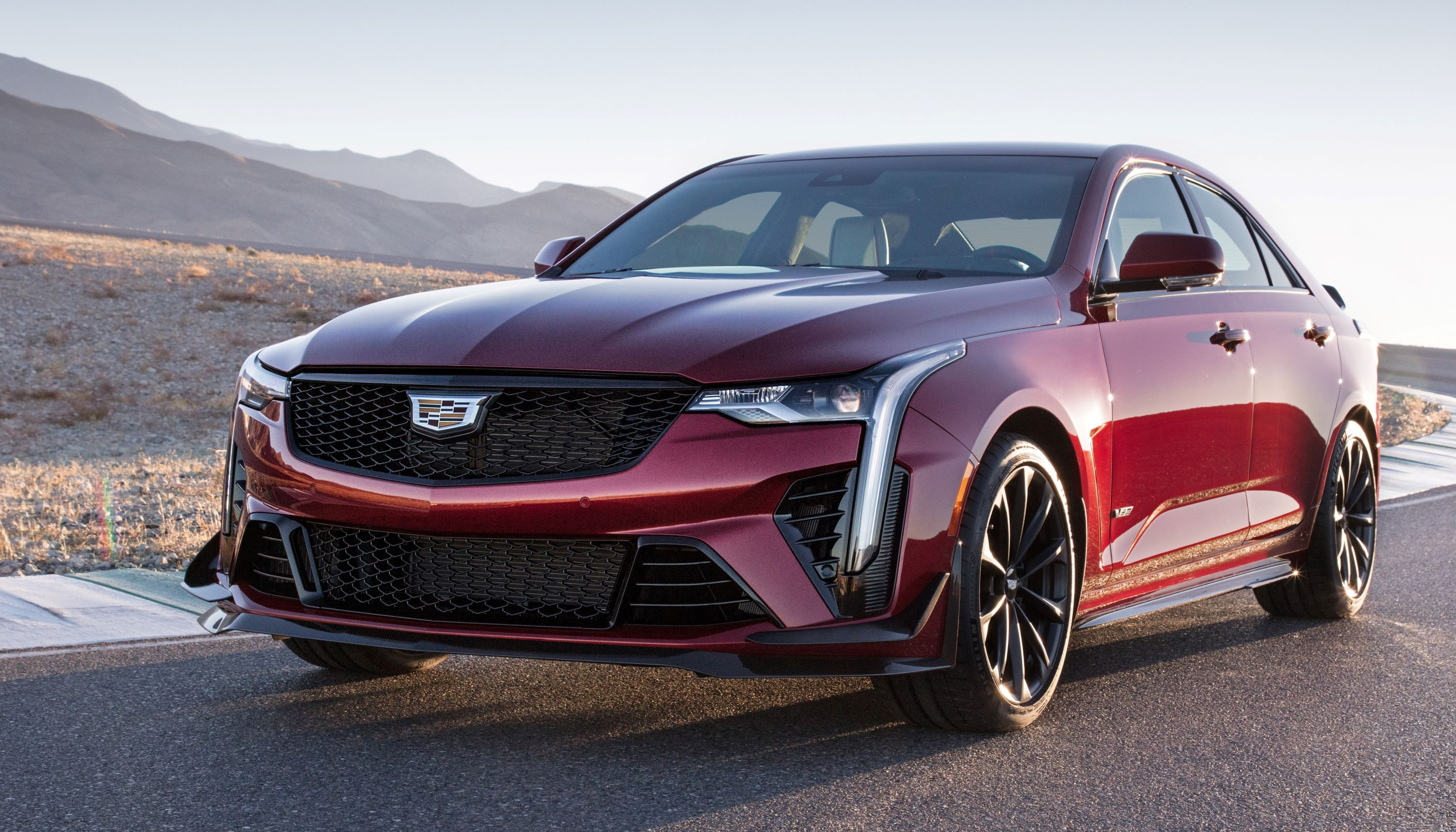 2022-Cadillac-CT4-V-Blackwing-003